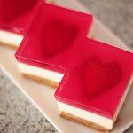 طرز تهیه چیزکیک توت فرنگی روز عشق