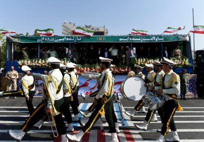 مراسم رژه نیروهای مسلح در کرج برگزار شد