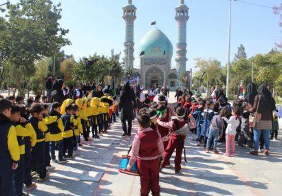 همایش فرهنگی، اجتماعی غنچه های اربعین با حضور ۲۰۰ کودک تحت حمایت بهزیستی کرج در امامزاده محمد(ص) برگزار شد.