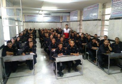 آموزش امدادی بیش از ۱۰۰۰ نفر از سربازان وظیفه