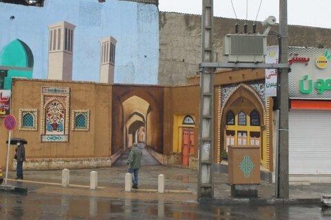 اجرای دیوارنگاری بر جداره دیوار خیابان «شهید مدرس»