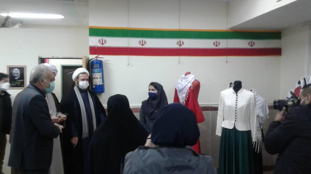 نمایشگاه دستاوردهای دانش آموزان هنرستان شهید غلامحسینی گشایش یافت